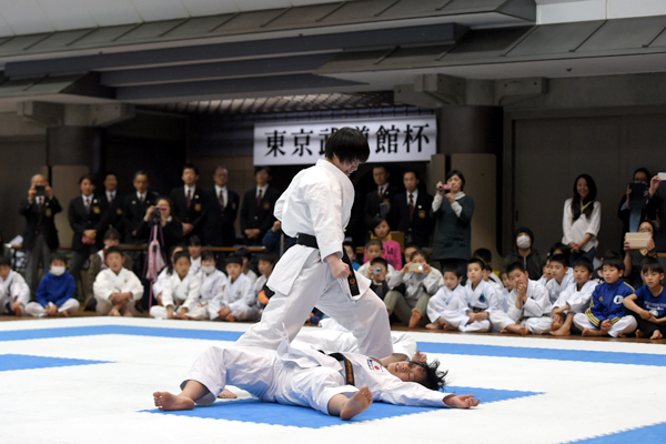 模範演武を行った日本代表選手